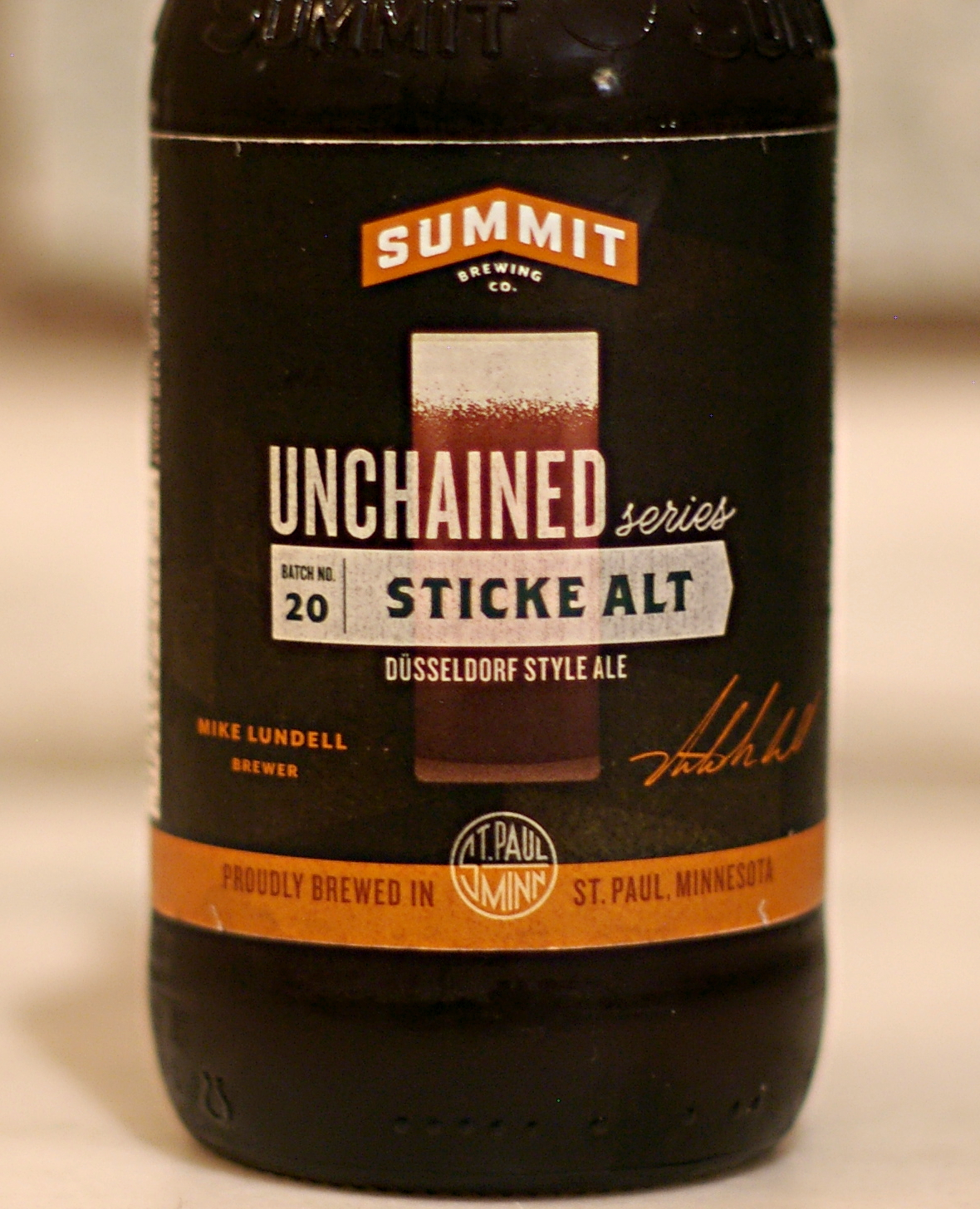 Summit Sticke Alt label